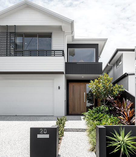 Kalka home in Wooloowin with a combination balustrade facade