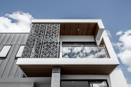 Kalka home front facade with glass balustrading