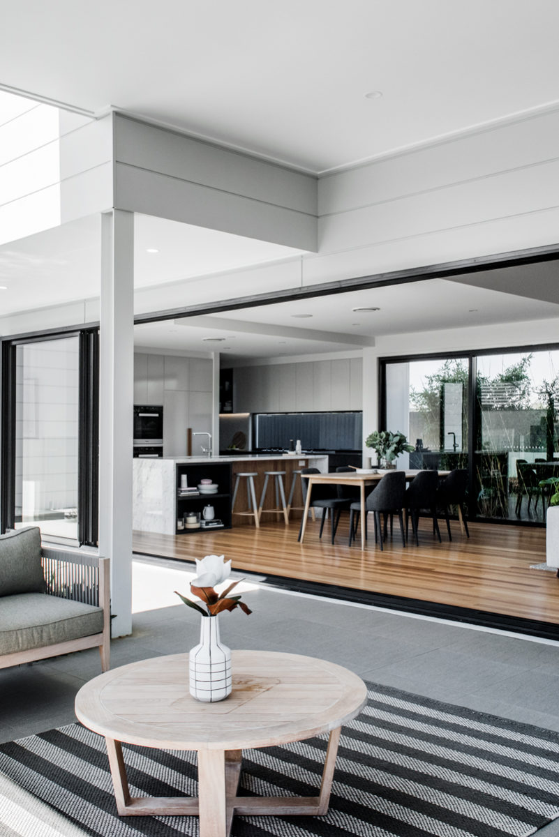 Gold Coast luxury home builder Kalka | External entertainment area from display home in Rochedale, Brisbane