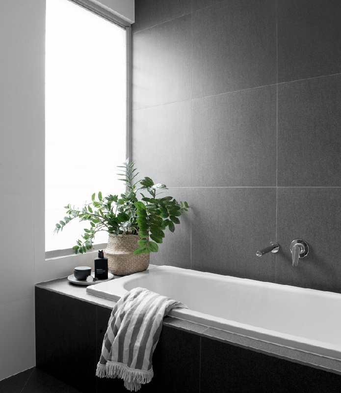 Kalka Wooloowin display home bathroom bath