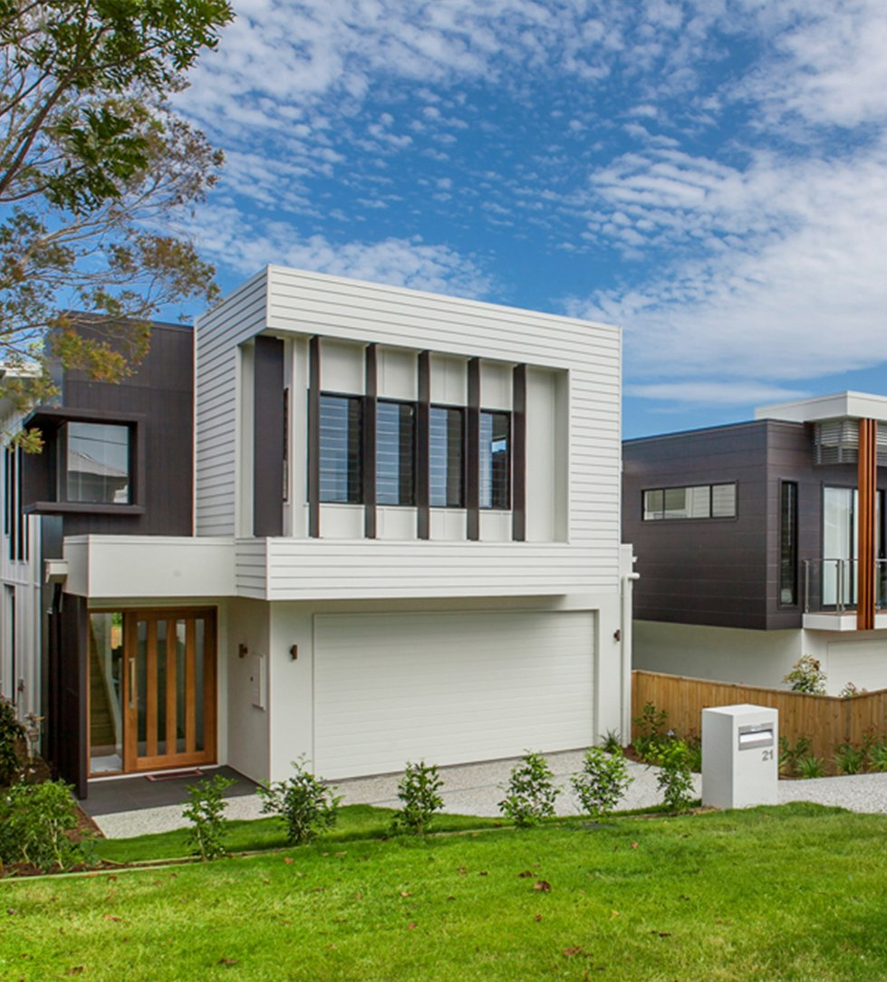 What classifies a small or narrow block in Brisbane?